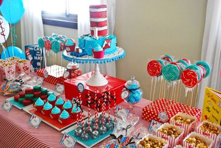 Cat in the Hat dessert table